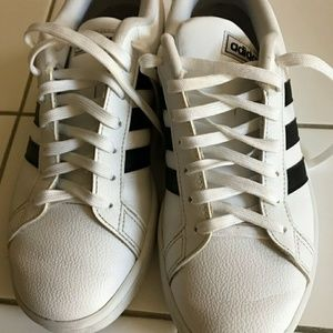 Adidas 8.5 leather sneakers